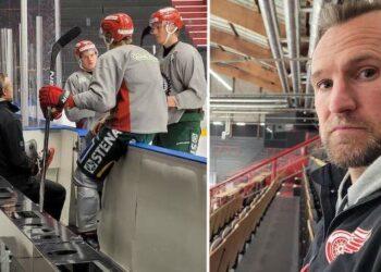 Niklas Kronwall hälsade på de Detroitdraftade talangerna i Frölunda: Theodor Niederbach, Simon Edvinsson och Elmer Söderblom.